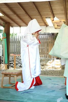 伊勢山皇大神宮結婚式 白無垢レンタル着付けヘアメイク