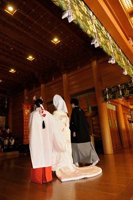 湯島天満宮結婚式 白無垢レンタル着付けヘアメイク格安