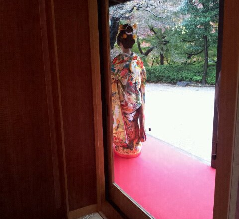 八芳園 結婚式打掛着付け