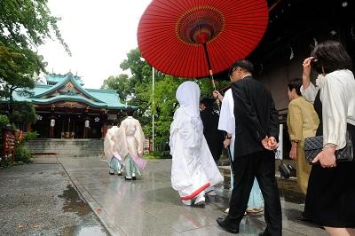 浅間神社 結婚式 打掛着付け
