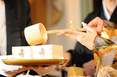 和装結婚式 鏡開き