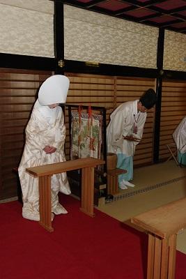 代々木八幡宮結婚式 白無垢着付け