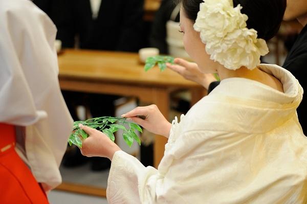 横浜結婚式 白無垢レンタル着付けヘアメイク