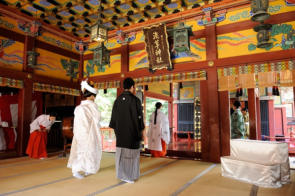 浅草神社結婚式 白無垢着付けと写真
