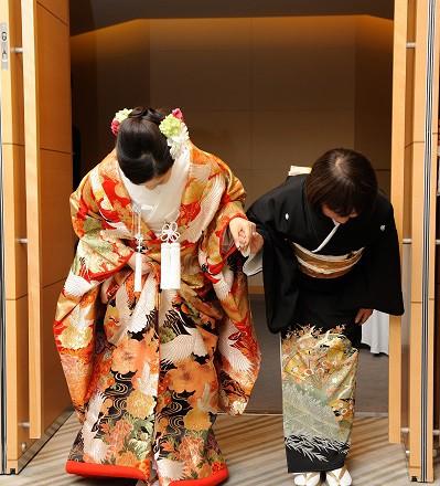 新宿結婚式 和装着付け