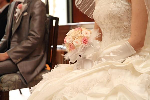 結婚式ヘアメイクドレスと和装