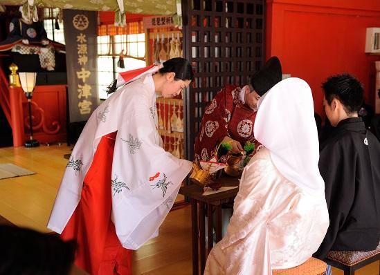 江島神社結婚式 白無垢レンタル着付けヘアメイク