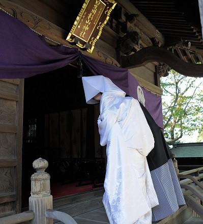 横浜神社結婚式 白無垢レンタル着付け