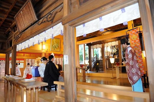 師岡熊野神社結婚式と披露宴白無垢色打掛