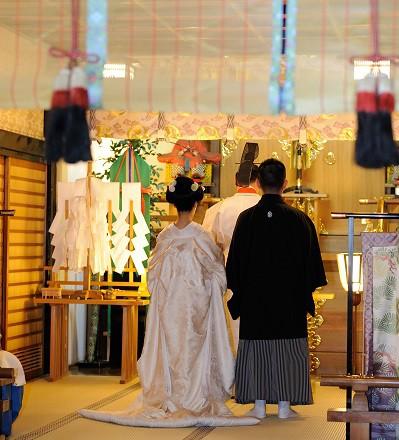 代々木八幡宮家族結婚式白無垢レンタル着付けメイクカメラマン