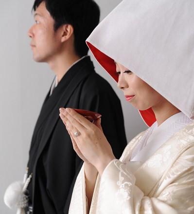 白無垢結婚式三々九度