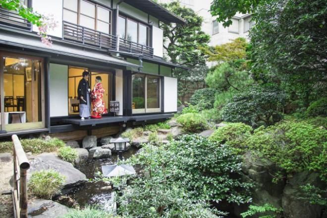 結婚式披露宴和装東京